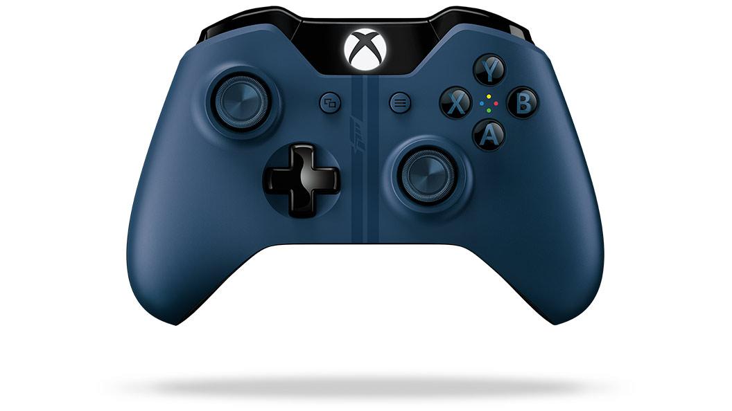 Stillshot of Forza Controller rotating 360 degrees