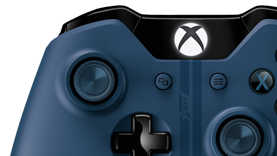 Forza Motorsport 6 Wireless Controller close-up top thumbnail