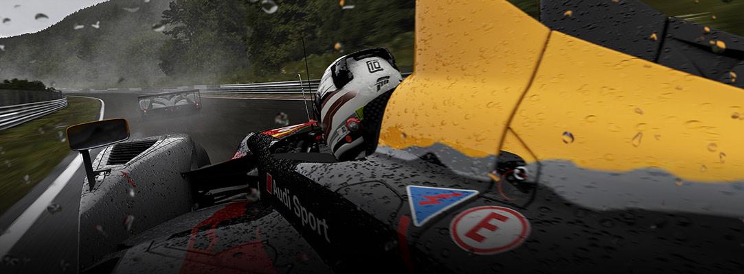 Fórmula 1 corriendo bajo la lluvia